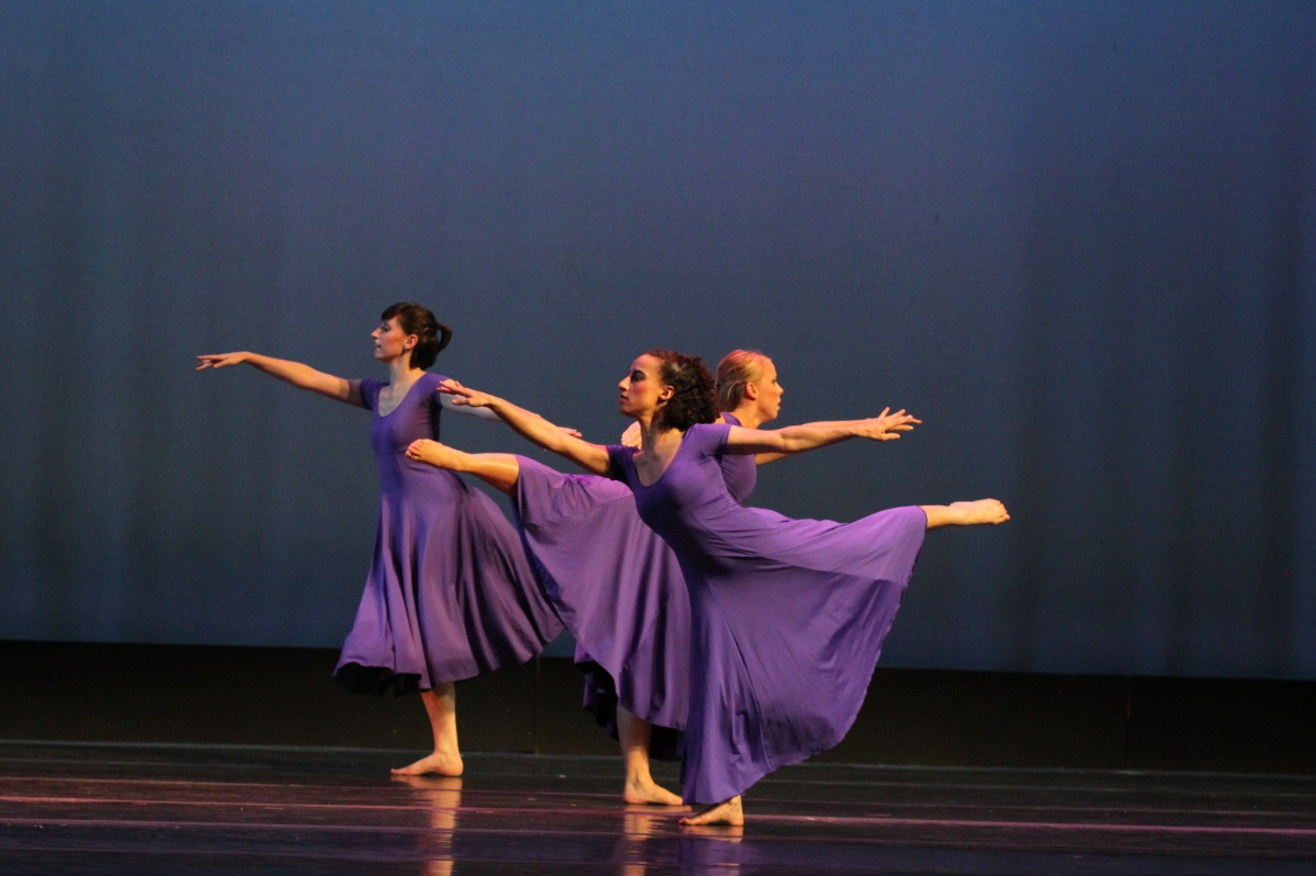Forty Steps Dance Lux Aeterna